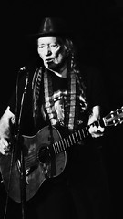 Portrait: Willie Nelson (maj488/mike) Tags: blueeyescryingintherain redheadedstranger years 85 virtuoso legend trigger atlanta tour concert music weed marijuana martin guitar nelson willie