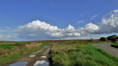 Go left, or go right? (Les Fisher) Tags: salthouse kelling northnorfolk clouds sky makemesmile