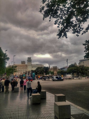 """Plaza Cataluña. Barcelona. • <a style=""""font-size:0.8em;"""" href=""""http://www.flickr.com/photos/26679841@N00/41763423982/"""" target=""""_blank"""">View on Flickr</a>"""