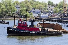 r_180509166_beat0037_a (Mitch Waxman) Tags: killvankull newyorkcity newyorkharbor tugboat newyork