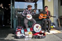 Seattle: Pike Place street music (Henk Binnendijk) Tags: seattle washington usa pikeplacemarket pikeplace streetmusic streetmusicians squirrelbutter