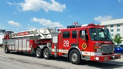 Ladder 28 (Central Ohio Emergency Response) Tags: columbus ohio fire division truck scene ladder tiller alf american lafrance eagle