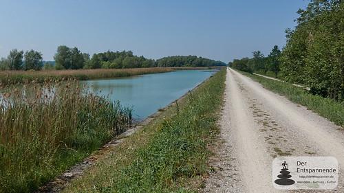 Auf dem Damm nach Aigen