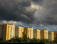 20170629_6 Dark clouds over yellow buildings | Katowice, Poland (ratexla) Tags: ratexlasinterrailtrip2017 interrail 29jun2017 2017 canonpowershotsx50hs katowice interrailing eurail eurailing tågluff tågluffa tågluffning travel travelling traveling journey epic europe earth tellus photophotospicturepicturesimageimagesfotofotonbildbilder wanderlust vacation holiday semester trip backpacking tågresatågresor resaresor europaeuropean sommar summer ontheroad poland polska city urban town street building buildings hus byggnad byggnader architecture yellow catchycolorsyellow almostanything unlimitedphotos favorite