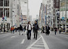 Tokyo 4380 (tokyoform) Tags: tokyo tokio 東京 日本 tokyoform chrisjongkind japan street ストリート calle rue strase улица jalan 街 rua सड़क crowd 人群 foule толпа حشد people 人 orangbanyak اشخاص लोग 사람들 gente gens menschen pessoas люди 銀座 ginza couple カップル 愛 ロマンス