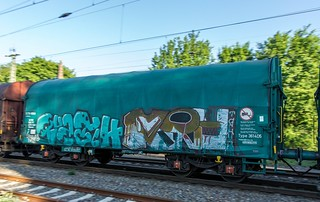 74_2018_05_08_03_Gelsenkirchen_Bismarck_6155_180_Rpool_mit_gem_Güterzug_Bottrop_Süd