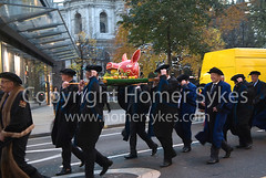 BOARS HEAD PARADE CITY OF LONDON UK (Homer Sykes) Tags: boarsheadparade cityoflondon london liverycompany worshipfulcompanyofbutchers procession robes dignitaries folklore custom 2015 2010s annualevent december england britain uk british english greaterlondon gbr