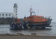 Coming ashore (phil da greek) Tags: scarborough northyorkshire uk southbay lighthouse harbour rnli lifeboat shannonclass