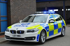 LG17 NMU (S11 AUN) Tags: police scotland bmw 530d auto estate touring traffic car anpr rpu trpg trunkroadspatrolgroup roads policing unit 999 emergency vehicle vdivision lg17nmu