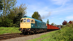 Blasting away (Duck 1966) Tags: gcr 33035 crompton class33 emrps goods train diesel locomotive