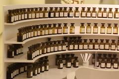 poste de travail du Nez (CHRISTOPHE CHAMPAGNE) Tags: 2018 grasse france 06 alpes maritimes fragonard parfum flacon