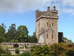 Drummond Castle (11) (arjayempee) Tags: av6a259294stitch margaretdrummond poison scotland towerhouse castle strathearn drummondcastle perthshire drummondofstobhall lorddrummond earlofperth dukeofperth clandrummond crieff muthill