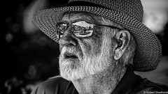 Foutain View (Robert Streithorst) Tags: beard hat man manzanillo mono norwegianstar reflection robertstreithorst stranger sunglasses
