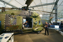 NH 90 (Lutz Blohm) Tags: nh90 hubschrauber ila2018 transporthubschrauber internationaleluftfahrtausstellung berlinschönefeld sonyalpha7aiii zeissbatis18mmf28