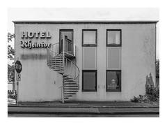 Am Niederrhein (sw188) Tags: deutschland nrw niederrhein reinsberg sw stadtlandschaft street bw blackandwhite