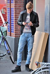 IMG_2554 (Skinny Guy Lover) Tags: outdoor guy man male dude candid jeans bluejeans waiting smartphone smartphonezombie airjordansneakers airjordanshoes