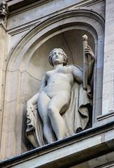Nackte Frau mit Fackel und Mantel (S. Ruehlow) Tags: opernplatz frankfurt alteoper oper skulptur figur