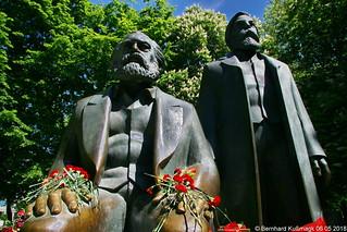 Europa, Deutschland, Berlin, Mitte, nahe Karl-Liebknecht-Straße, Marx-Engels-Forum, Marx-Engels-Denkmal
