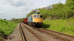 Around the curve. (Duck 1966) Tags: gcr 33035 crompton class33 emrps goods train diesel locomotive