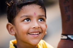 Portrait of a smiling boy in Mumbai, India. (cookiesound) Tags: india travel travelphotography inspiration nisamaier ullimaier canon cookiesound mumbai smiling smile boy smilingboy child smilingchild eyes expression happy happiness