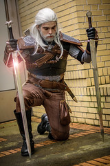 _DSC8979 (In Costume Media) Tags: geralt rivia witcher sowrd cosplay wizardworld dark videogame photography photoshoot warrior comiccon hot guy cool white sword