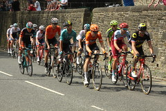 Chasing Group (Steve Dawson.) Tags: tourdeyorkshire mens cycle race bikes tdy uci teams lycra sport chasers chasinggroup stage4 halifaxtoleeds hill skipton yorkshire england uk canoneos50d canon eos 50d ef28135mmf3556isusm