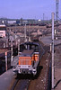 SNCF radio-controlled Yo-Yo 8539 ready for more work after releasing a wagon at Woippy Yard, Metz on 23April2000 (mikul44171) Tags: telecommande radiocontrolled hump humpyard woippy yoyo 8539 triage fan sidings remotecontrol