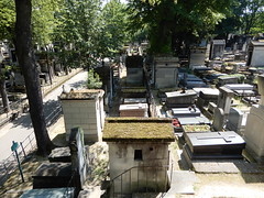 Cimetière de Montmartre (John Steedman) Tags: フランス france frankreich frankrijk francia parigi parijs 法国 パリ 巴黎 montmartre cimetièredemontmartre cgth friedhof cimetière cemetery cementerio grave tomb