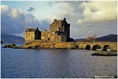 Scotland - Eilean donan castle. (gerard21081948) Tags: écosse scotland europe highland château castle ile royaumeuni eileandonan pont kyleoflochalsh eau loch lac ciel