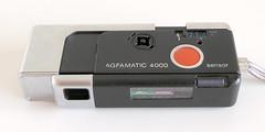 Agfamatic Pocket 4000 (pho-Tony) Tags: 110 photosofcameras agfamatic4000 agfamatic pocket 4000 agfamaticpocket4000 instamatic pocketinstamatic sensor agfasensor 16mm subminiature 13x17mm color apotar colorapotar
