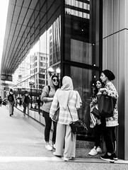 Street photos 5-1-2018 Day 6 pic (Artemortifica) Tags: 24mm a6300 canon chicago lakeshore sony buses candid cars commuters downtown people street trains