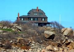 beautiful homes on the coast (Icanpaint1) Tags: coast coastalhomes northshore newengland oceanfronthomes rockportma wjtphotos