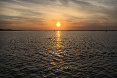 Brightlingsea Sunset (Andy.Gocher) Tags: andygocher canon100d uk england essex sun sunset reflection light clouds sky skyline sea seascape water sailing