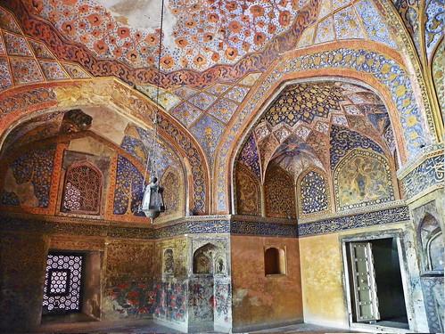 Agra 93 - Akbar's tomb interior