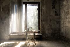 Platz an der Sonne (Blacklight Fotografie) Tags: lostplace lost decay abandoned chair stuhl nähmaschine licht lichtstimmung urbex hdr verlassen verfallen