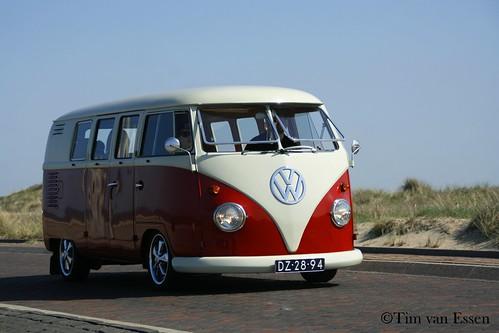 "DZ-28-94 Volkswagen Transporter bestelwagen 1961 • <a style=""font-size:0.8em;"" href=""http://www.flickr.com/photos/33170035@N02/40266905230/"" target=""_blank"">View on Flickr</a>"