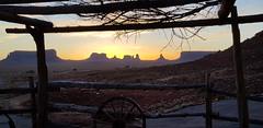 Monument Valley - Utah (laurent 297) Tags: utah monumentvalley