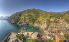 #213 (mariopolicorsi) Tags: mariopolicorsi canon eos 700d fisheye samyang 8mm liguria italia italy europa europe travel viaggio aprile april primavera spring hdr hdrawards simplysuperb photo photography foto fotografia water acqua sea mare waterscapes seascapes vernazza cinqueterre laspezia landscapes photoshop photomatix tree mountain sky