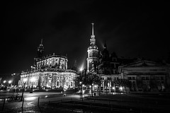 Dresden2018_075 (schulzharri) Tags: deutschland germany night nacht europe europa city town stadt old dark black white lon term langzeit outside ausen drausen