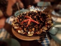 Paella (Giuseppe Mantione) Tags: pesce paella gamberetti streetfood mangiare