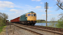 Swithland Viaduct. (Duck 1966) Tags: gcr 33035 crompton class33 emrps goods train diesel locomotive