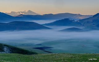 Sibillini - l'alba sul Pian Perduto e Castelluccio
