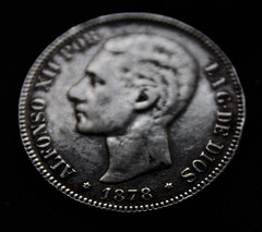 Low key money (fernanmz74) Tags: lowkey macro macromondays macromonday hmm 7dwf blackandwhite blancoynegro bw money moneda