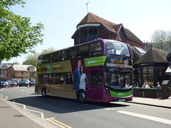Royal Express In The Royal Town (londonbusexplorer) Tags: reading buses adl enviro 400 mmc 757 yx64vrt 702 bracknell london victoria windsor greenline royal express