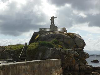 Monumento al emigrante en Palmeira-Riveira(Coruña-España)
