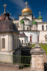 NikonD70-02-[June 2008] (stepanov9) Tags: nikond70 digitalfoto church temple истра istra russianorthodoxchurch 1870mmf3545gafseddxswmifasp nikon nikkor river water architecture building russia