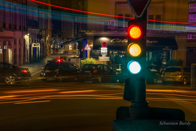 SB_Traffic-Light-and-Bus