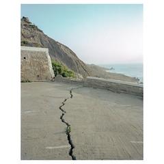 img575_EDIT_WEBSITENOBORDER5 (leeburnett_) Tags: morocco africa travel mamiya 7ii 65mm 65 f4 landscape crack concrete built spaces space ocean sea depth perspective portra 400