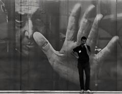 Espectro (carlos_ar2000) Tags: galeria gallery arte art hombre man picture surreal mano hand calle street buenosaires argentina