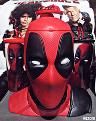 DEADPOOL 2 MOVIE THEATER MERCHANDISE! (THE AMAZING KIKEMAN) Tags: deadpool 2 2018 josh brolin cable ryan reynolds wade wilson domino marvel rob liefeld movie merchandise memorabilia figurines popcorn container sodas cups special edition